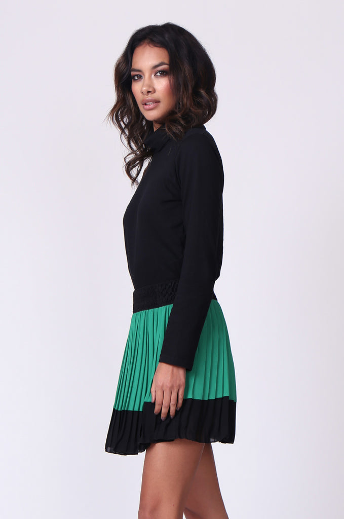 SP0131-GREEN CONTRAST PLEATED MINI SKIRT view 2