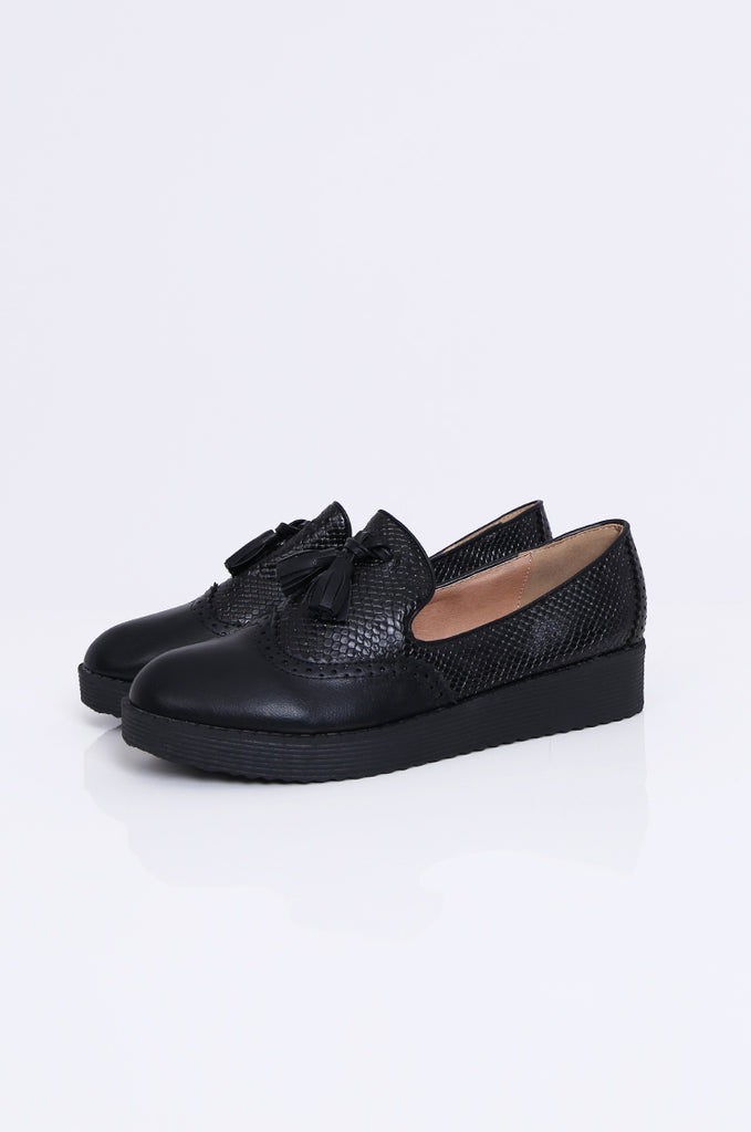 SW1843-BLACK PLATFORM TASSLE SNAKESKIN BROGUE LOAFERS view 2