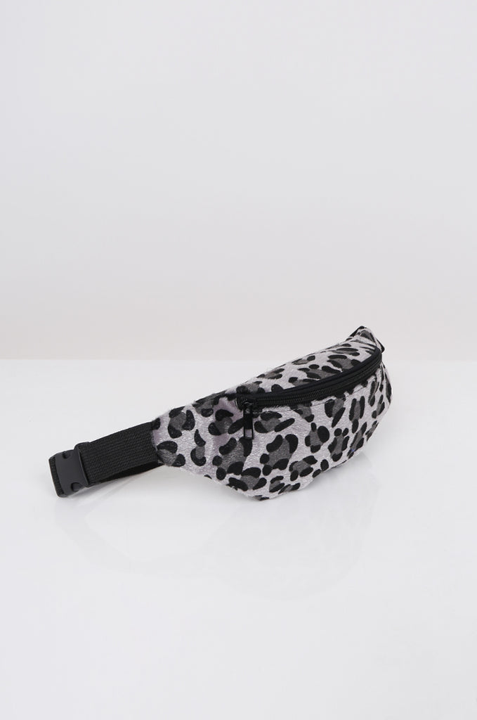 SPS2360-GREY FAUX FUR ANIMAL PRINT BUM BAG