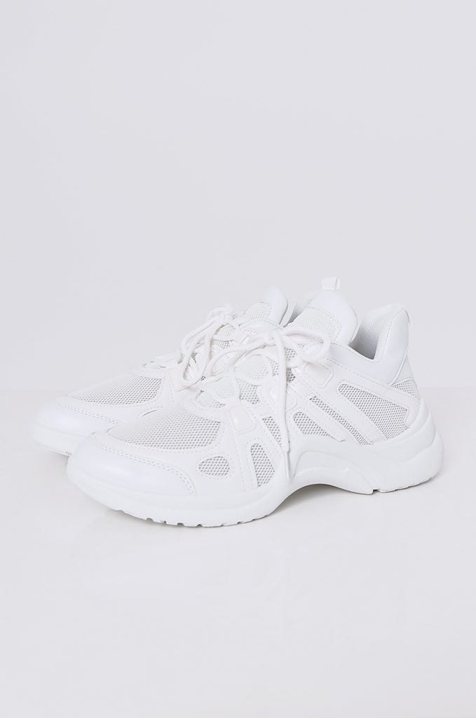 SMF2085-WHITE CUT OUT MESH & LEATHERETTE TRAINERS
