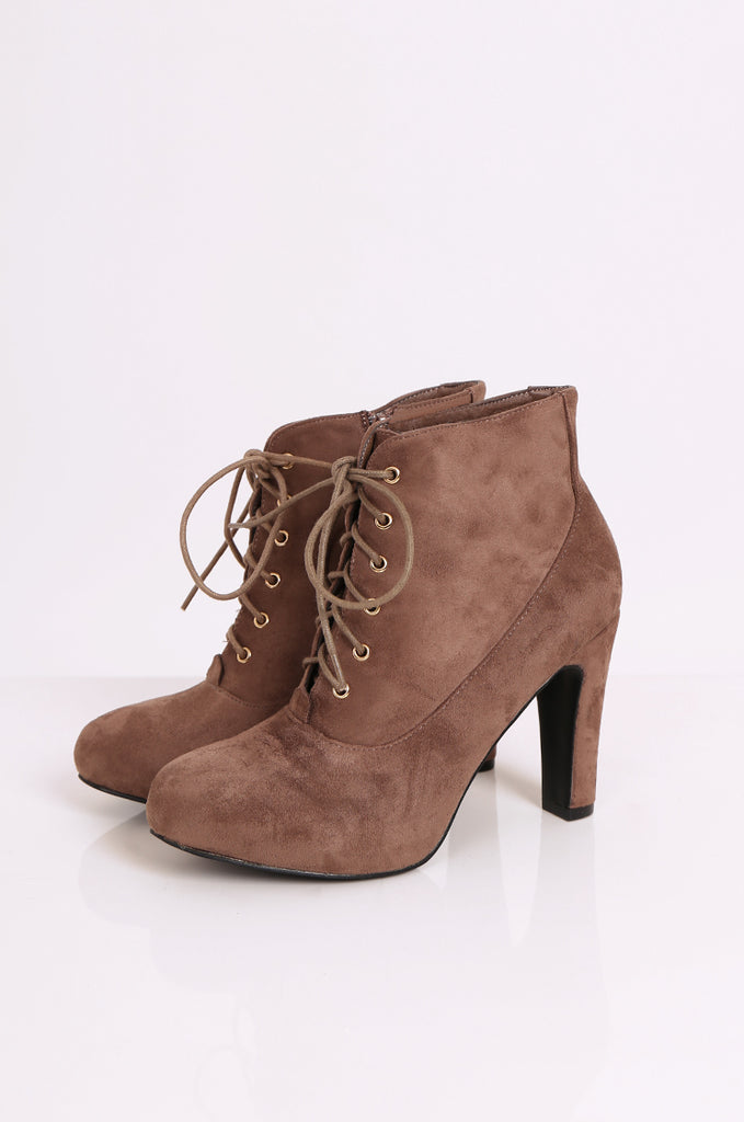 SEW2180-BROWN LACE UP HEEL BOOTS