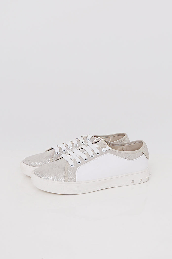 SMY2400-SILVER CONTRAST STUDDED HEEL TRAINER