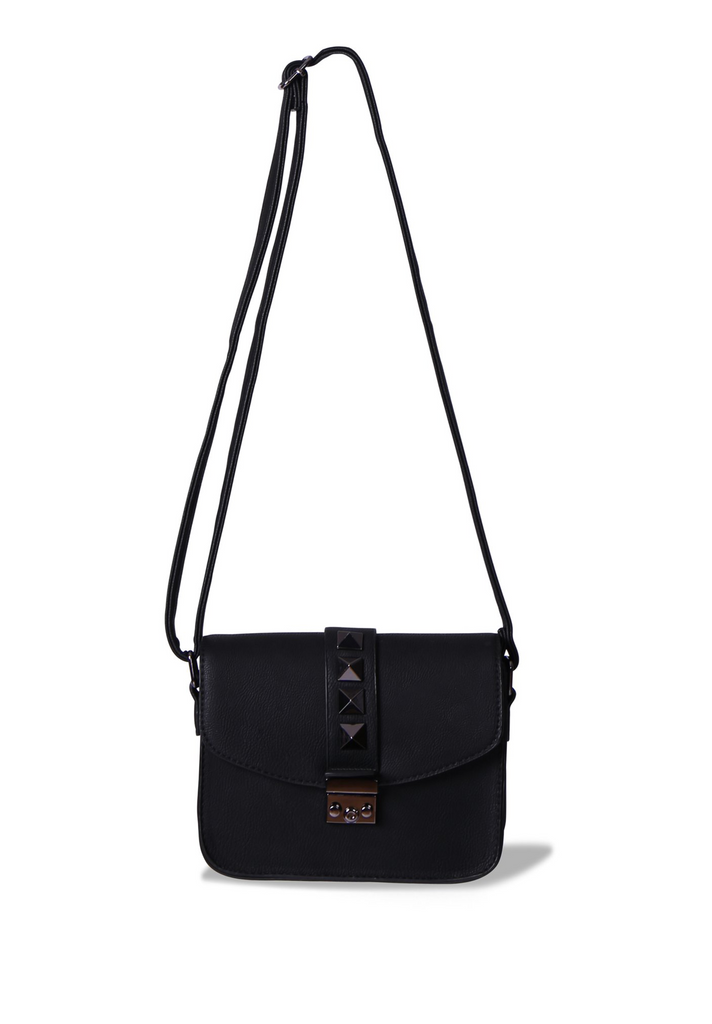 SMB0404-BLACK STUDDED FLAP SHOULDER BAG