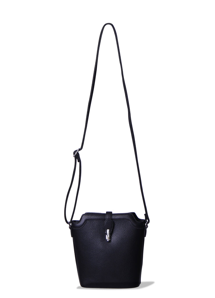 SMB0418-BLACK TRIMMED CROSSBODY BUCKET BAG view main view