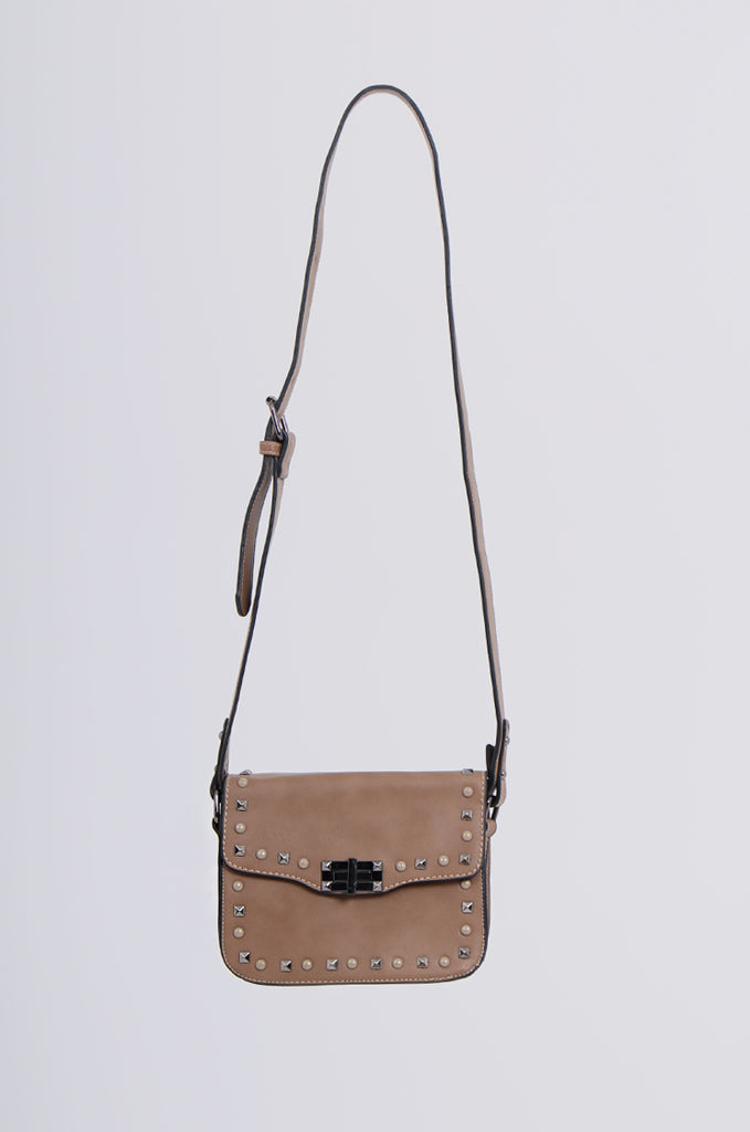 SMB2170-BROWN STUDDED FRONT CROSS BODY BAG