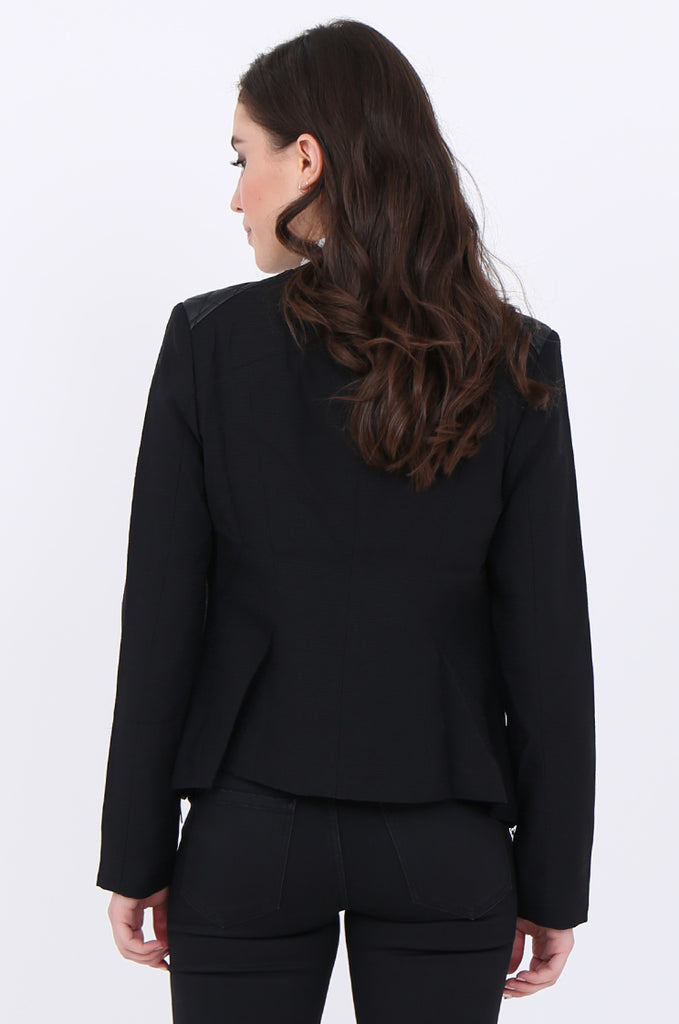 SAT1913-BLACK ZIP SIDE QUILTED LEATHERETTE SHOULDER & NECK BLAZER view 3