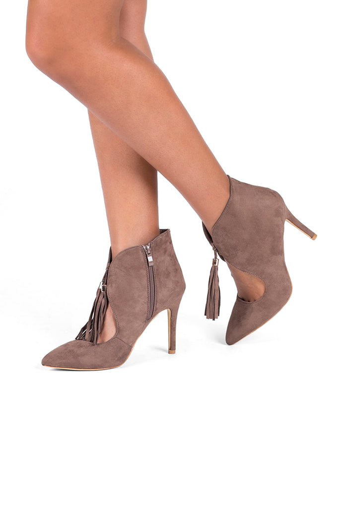 SBA0294-BROWN TASSLE ANKLE BOOTS