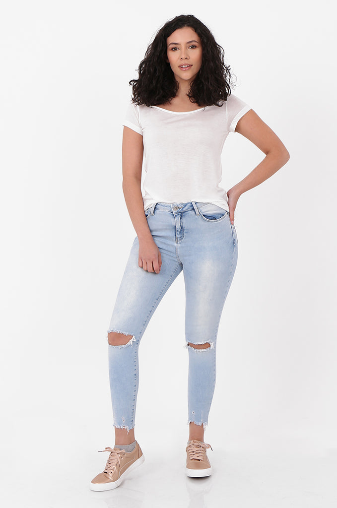 SEF2658-LIGHT BLUE RIPPED KNEE SKINNY JEANS