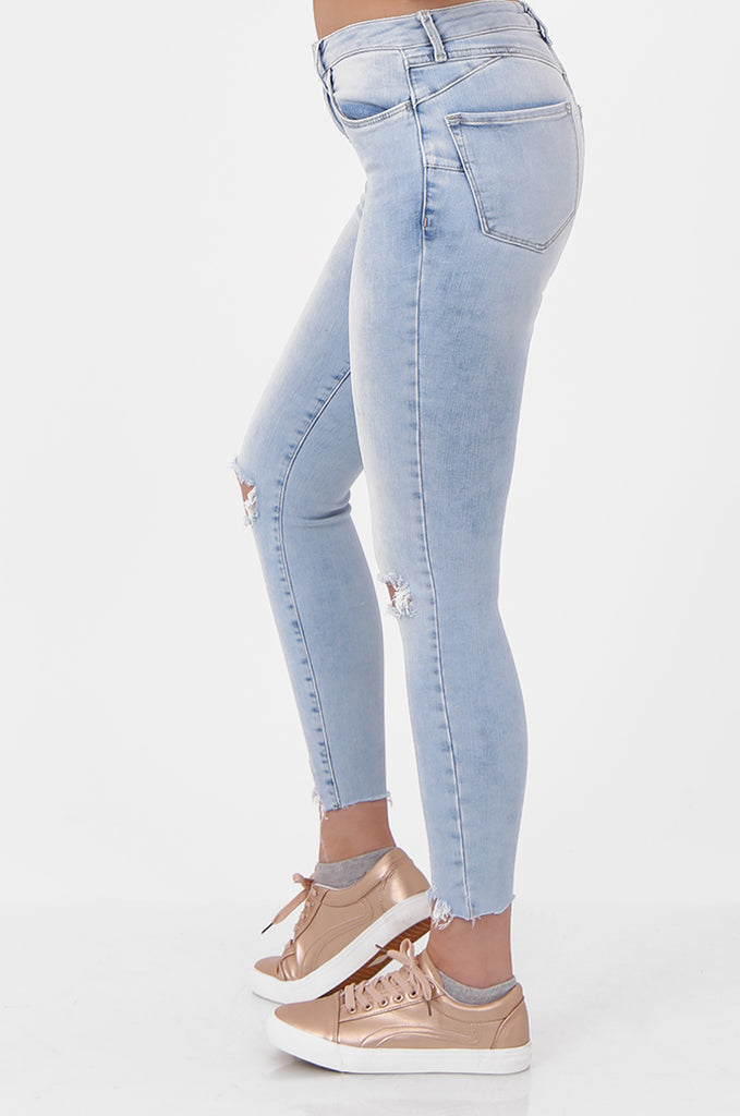 SEF2658-LIGHT BLUE RIPPED KNEE SKINNY JEANS view 4