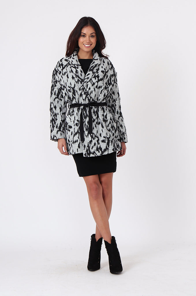 SJ0372-BLACK & WHITE ANIMAL PRINT JACQUARD BELTED COAT