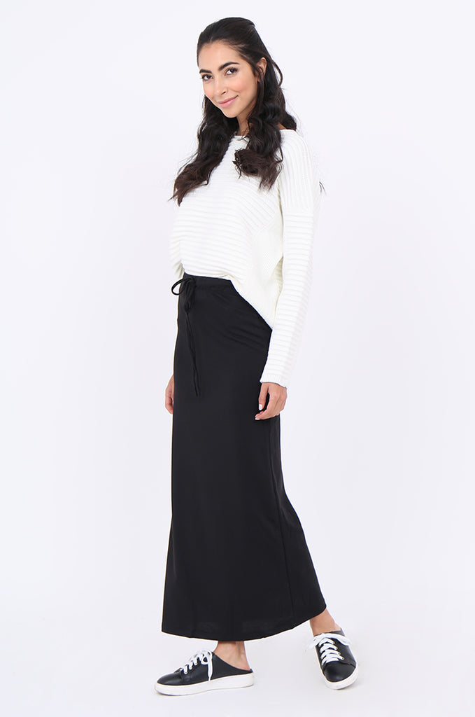 SJ1879-BLACK KNIT DRAWSTRING WAIST STRAIGHT MAXI SKIRT view 2