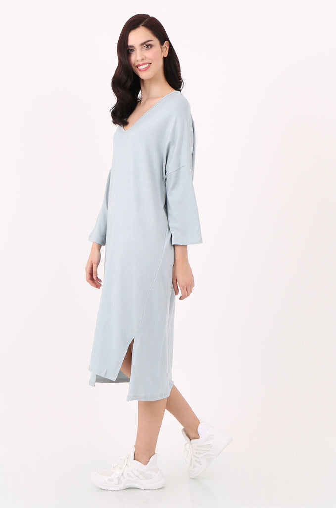 SJ2544-BLUE V-NECK RELAXED FIT KNIT DRESS view 2