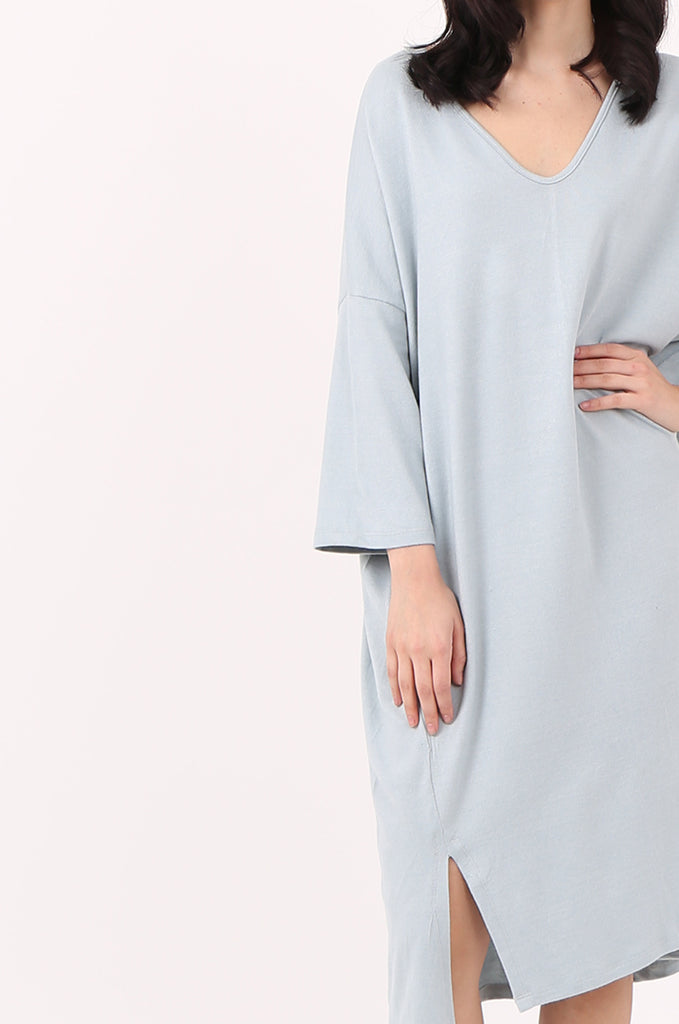 SJ2544-BLUE V-NECK RELAXED FIT KNIT DRESS view 4