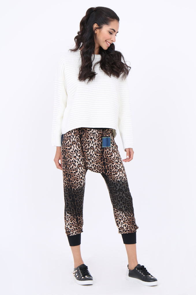 SJM1905-LEOPARD PRINT DENIM POCKET HAREM PANT view 2