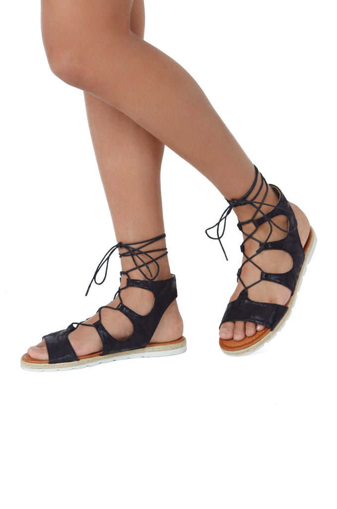 SLG1166-BLACK DISTRESSED METALLIC LACE UP SANDAL