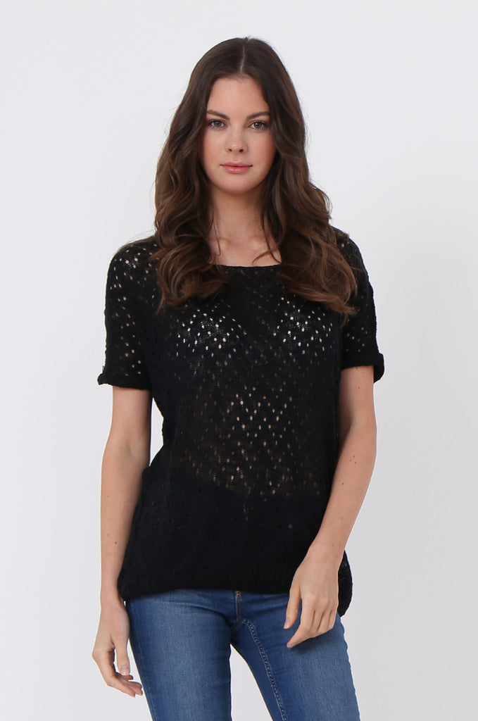 LIGHT WEIGHT KNIT TOP