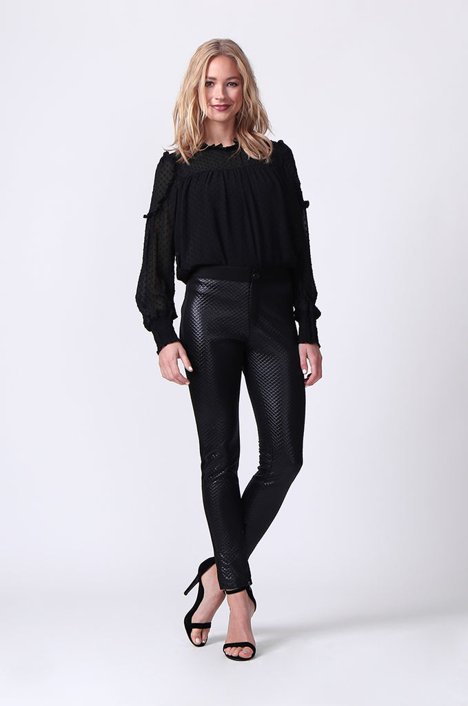 SLW0325-BLACK LEATHERETTE QUILTED ANKLE ZIP PANTS