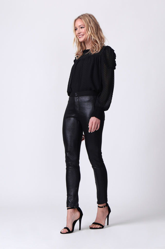 SLW0325-BLACK LEATHERETTE QUILTED ANKLE ZIP PANTS view 2