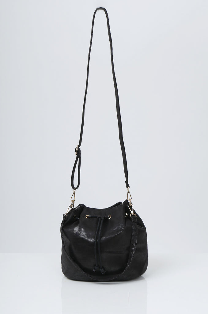 SMB2216-BLACK SNAKE PRINT SUEDETTE BUCKET BAG view main view