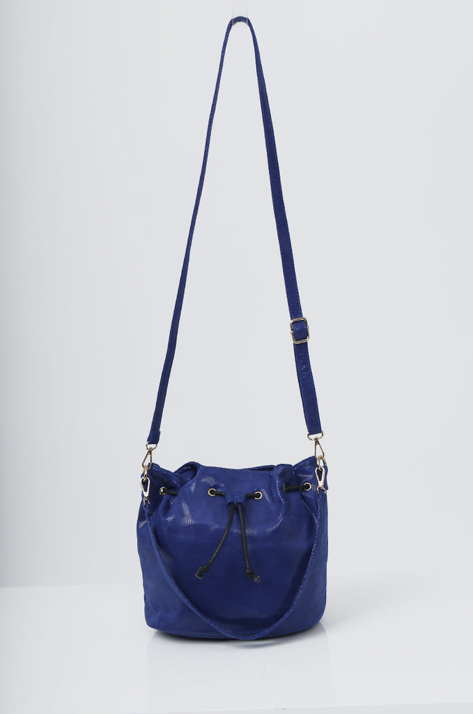 SMB2216-BLUE SNAKE PRINT SUEDETTE BUCKET BAG view main view