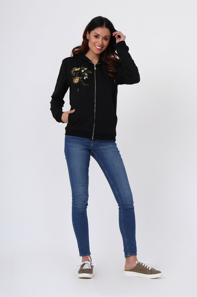 SMK1040-BLACK FLORAL EMBROIDED HOODED SWEATSHIRT view 4