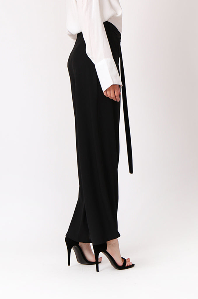 SOY1240-BLACK BELTED WIDE LEG PANTS