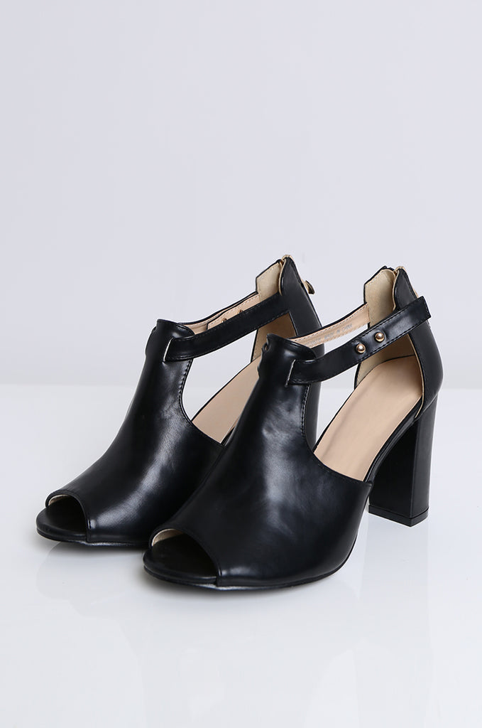 SOY1553-BLACK CUT OUT SIDE BLOCK HEEL view 2