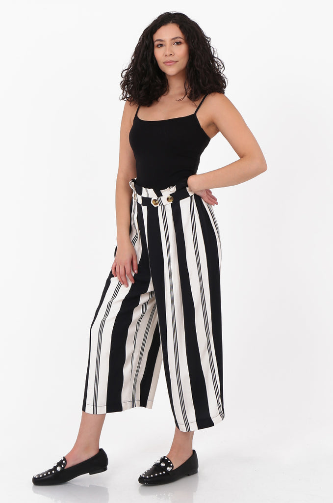 SOY2571-BLACK & CREAM STRIPED BUTTON DETAIL WIDE LEG CULOTTES view 2