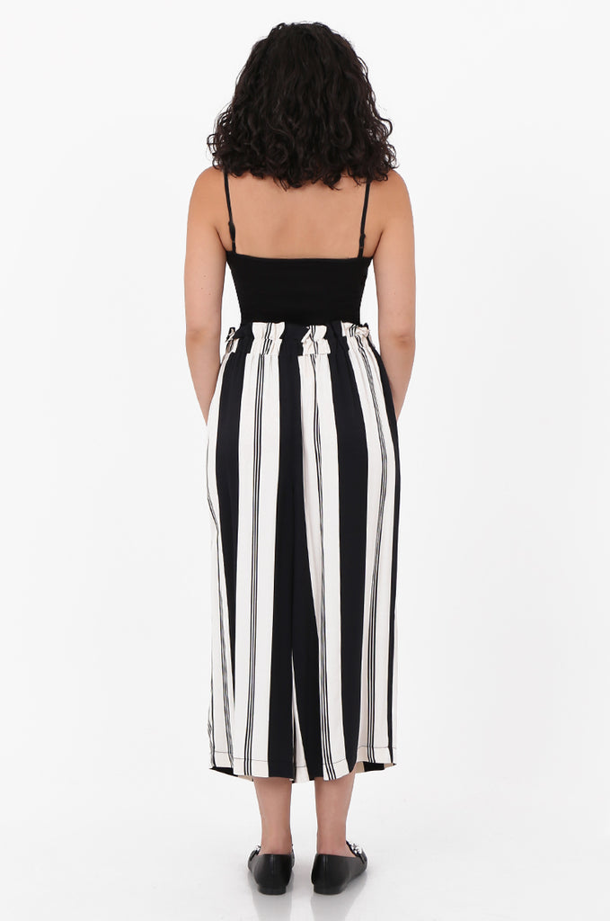 SOY2571-BLACK & CREAM STRIPED BUTTON DETAIL WIDE LEG CULOTTES view 3