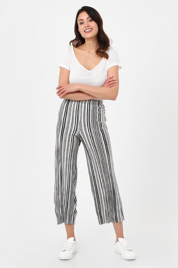 SOY2786-BLACK & WHITE STRIPE MICRO PLEATED WIDE LEG TROUSERS