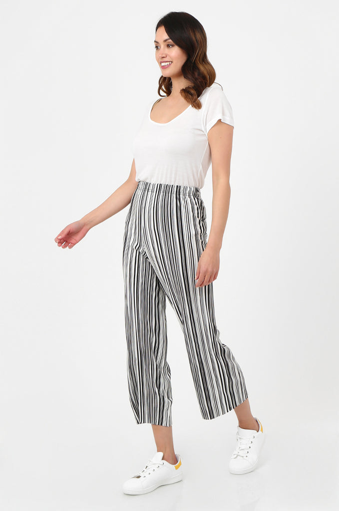 SOY2786-BLACK & WHITE STRIPE MICRO PLEATED WIDE LEG TROUSERS view 2