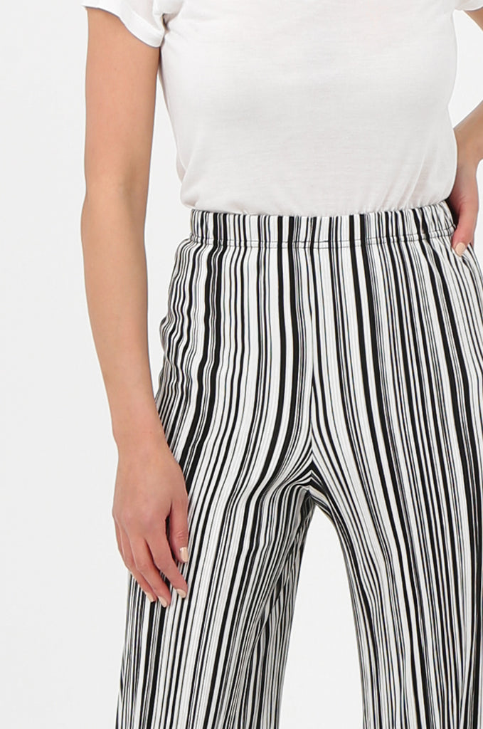 SOY2786-BLACK & WHITE STRIPE MICRO PLEATED WIDE LEG TROUSERS view 5