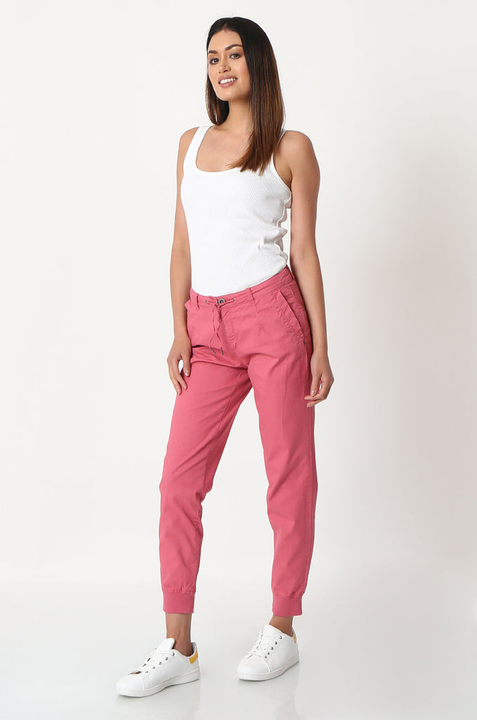 SOY2862-RED STRETCH CUFF RELAXED FIT TROUSERS view 2