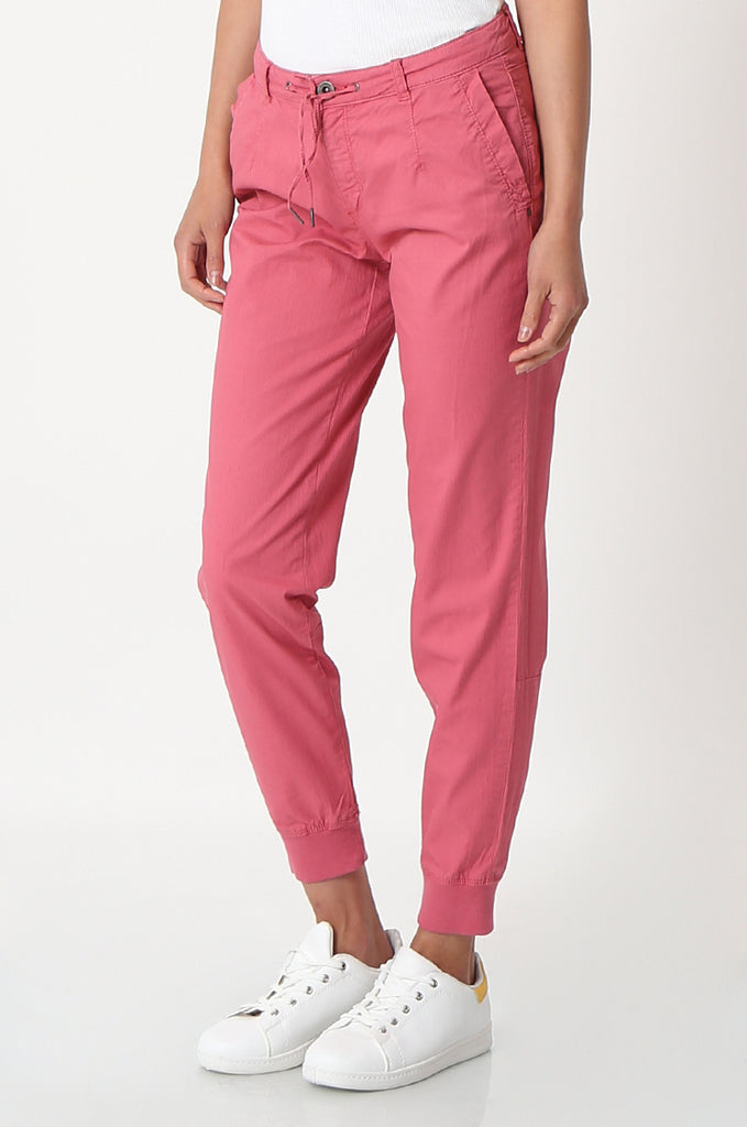 SOY2862-RED STRETCH CUFF RELAXED FIT TROUSERS view 4
