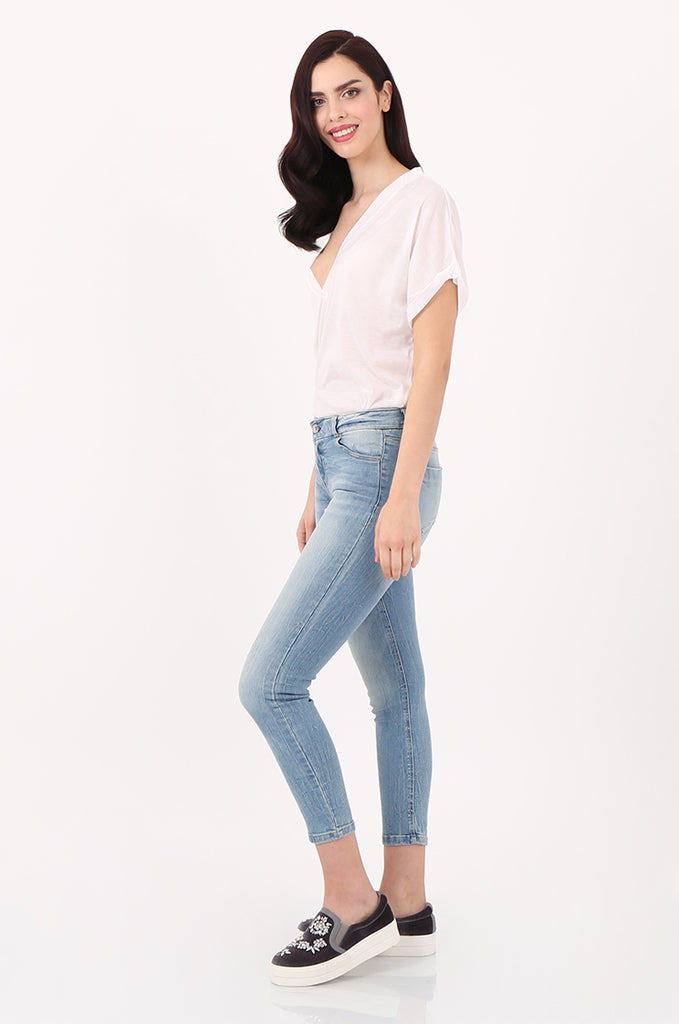 SPD2559-LIGHT WASH STRETCH SKINNY JEANS view 2