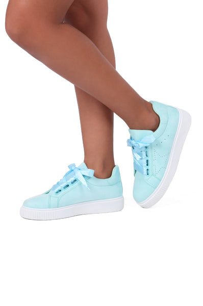 RIBBON LACE TRAINER