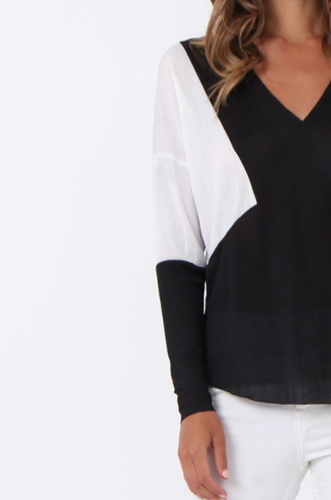 COLOUR BLOCK  V-NECK TOP