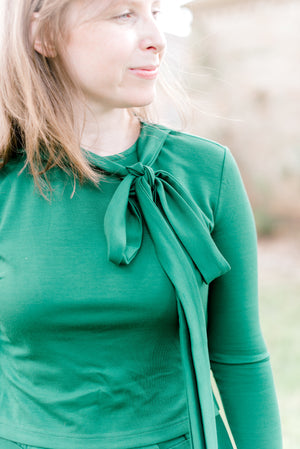 FINAL SALE Havah Tie Deluxe Dress in Kelly Green - Nursing Friendly Midi