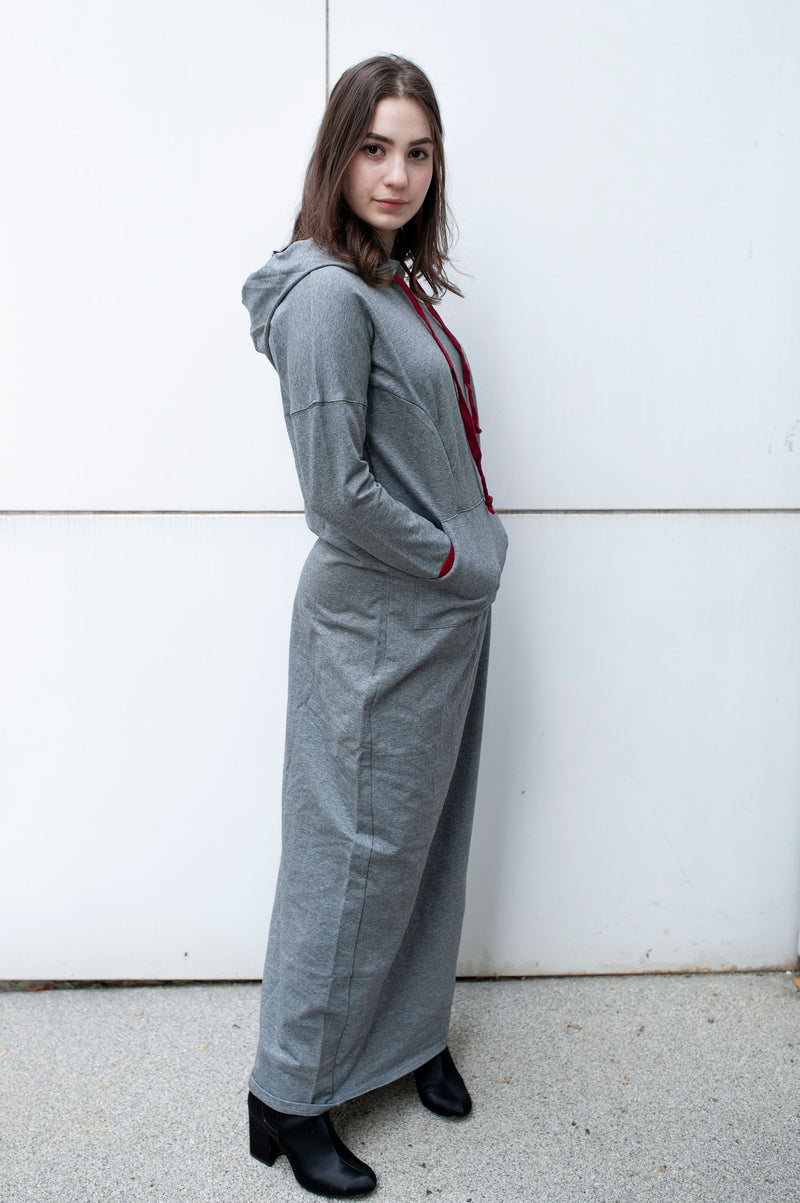 Maxi Sweatshirt dress in GREY WITH BURGUNDY TRIM