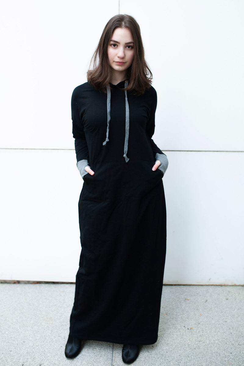 Maxi Sweatshirt dress in BLACK WITH GREY TRIM