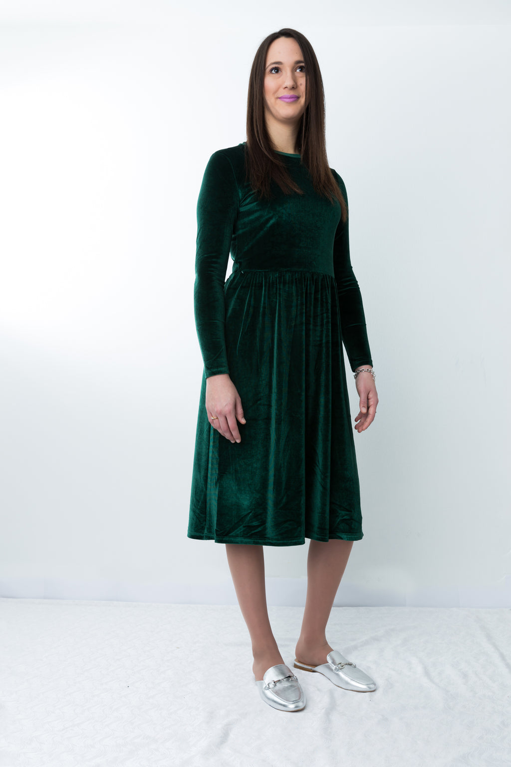 Havah Winter Velvet - Nursing Friendly Dress in Emerald Green