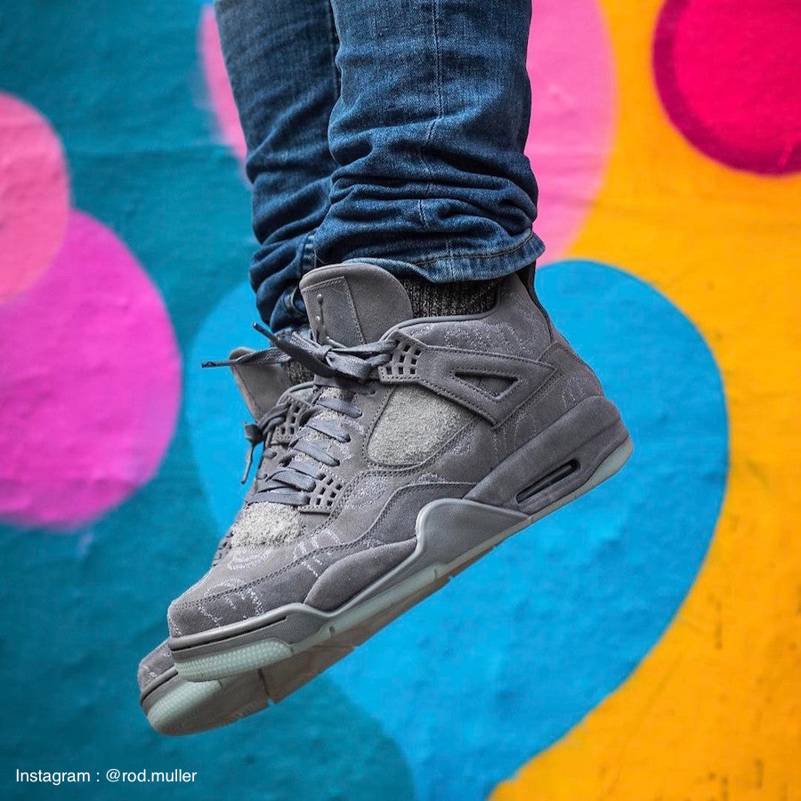 Air Jordan 4 Retro x Kaws Grey