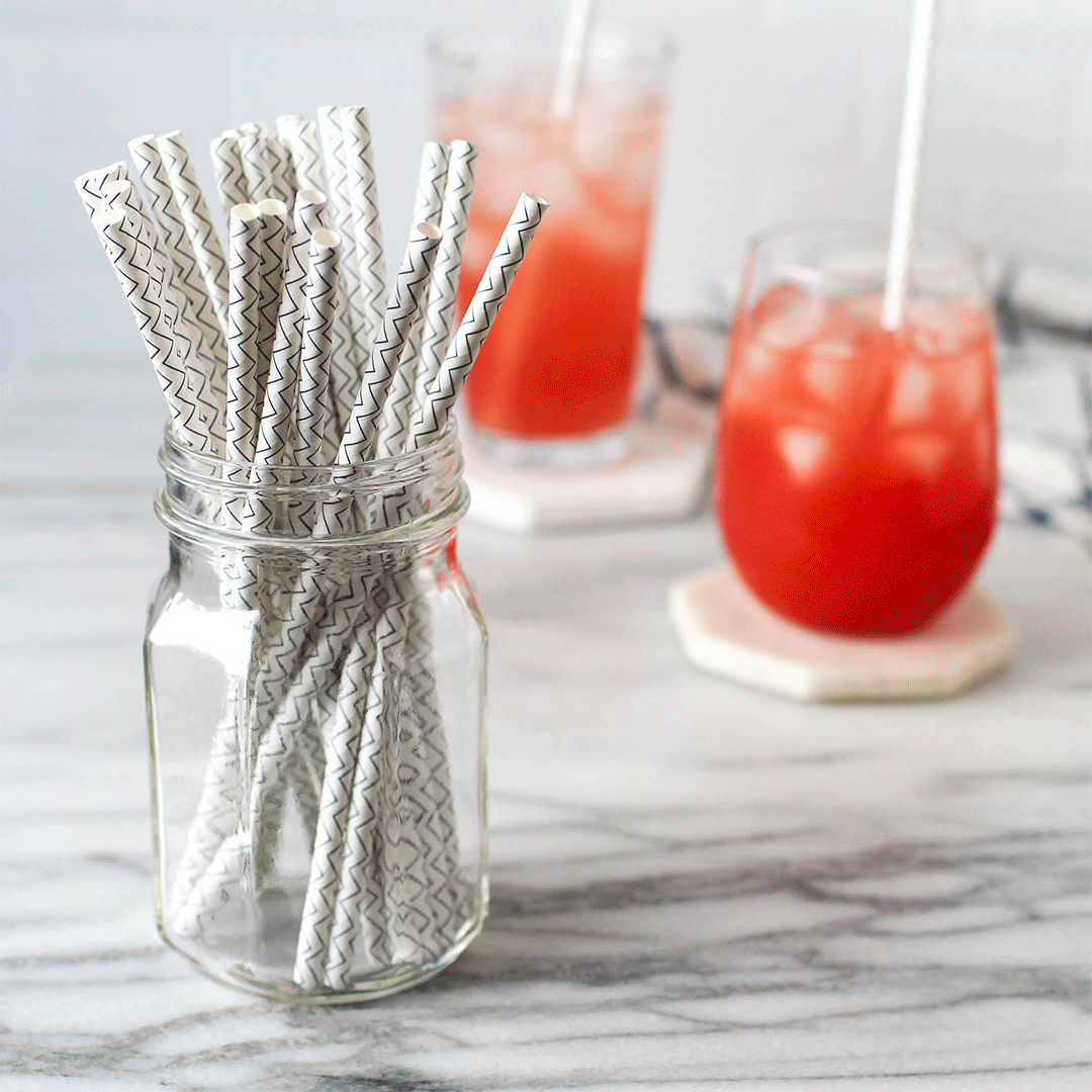 https://www.lunchskins.com/products/biodegradable-paper-straws