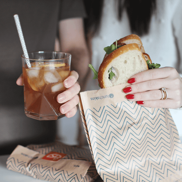 Lunchskins Plastic-Free Starter Kit: 25 Biodegradable Paper Straws + 25 Unbleached + Non-Wax Paper Bags