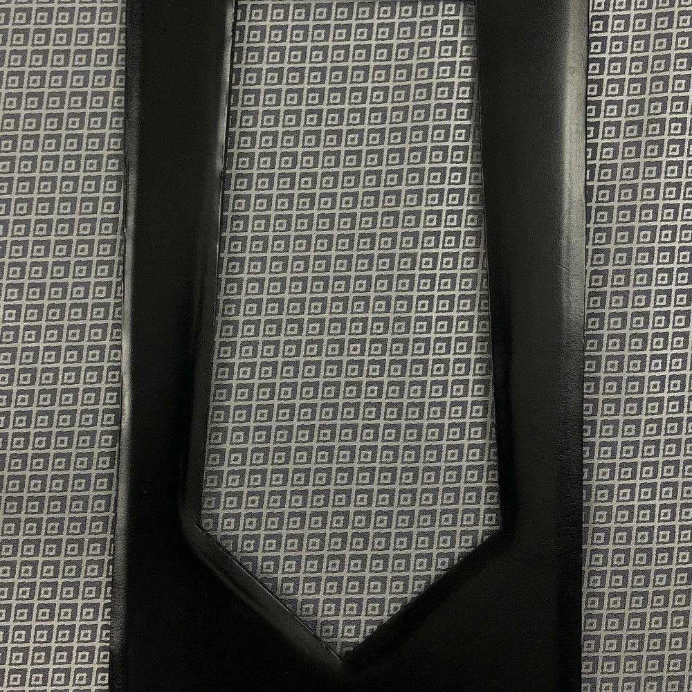 025 GREY DIAMOND GRID PATTERN SILK MADE TO ORDER TIE