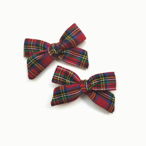 Holly Holiday Plaid : Schoolgirl bows