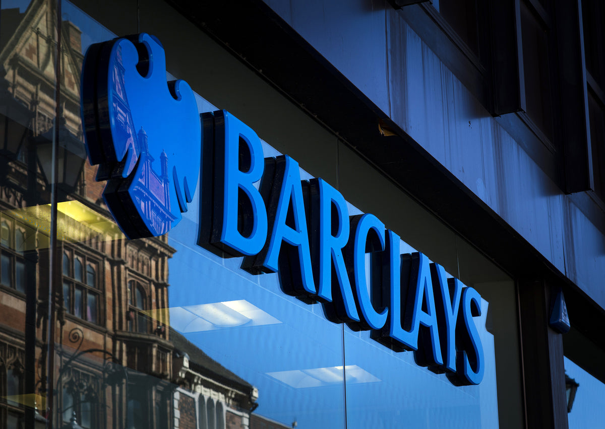 [UK] Barclays Bank says contractors can go PAYE or go
