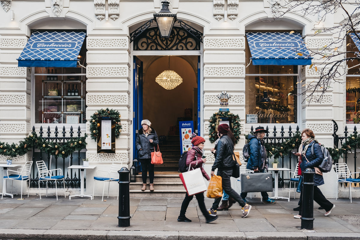 [UK] Carluccio's wait staff object to new tipping policy
