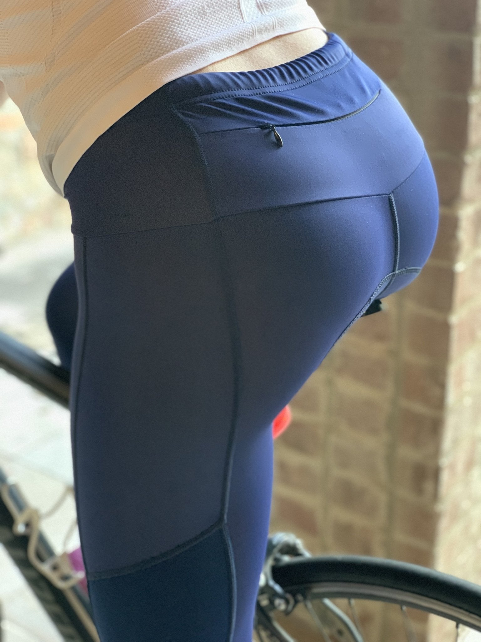 with Zip Pockets Womens 3D Padded Cycling 3//4 Capri Tights The Resistance