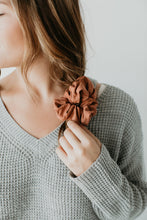SCRUNCHIE || terracotta